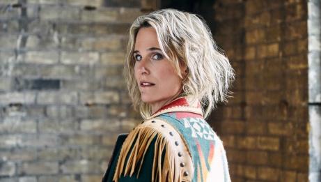 Lynne Hanson | Jen Squires